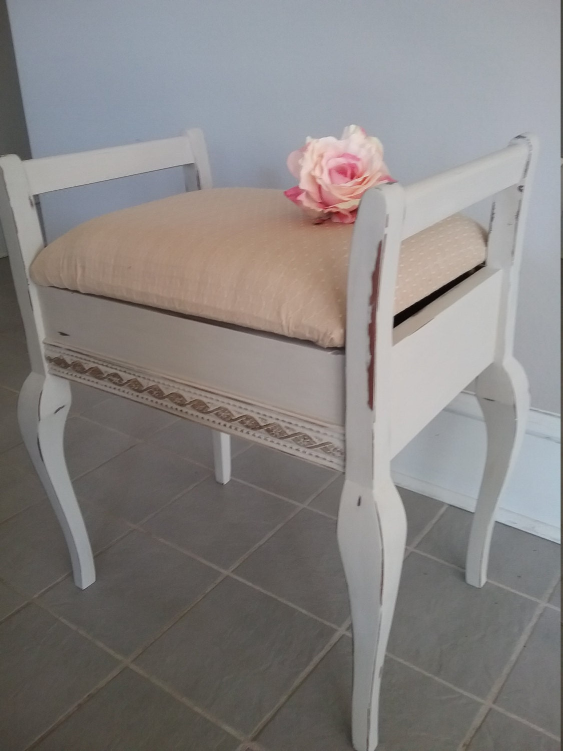 sold shabby chic vintage piano stool vanity stool cream. Black Bedroom Furniture Sets. Home Design Ideas