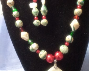 Friends Forever !!!     (Necklace & Earring Set)