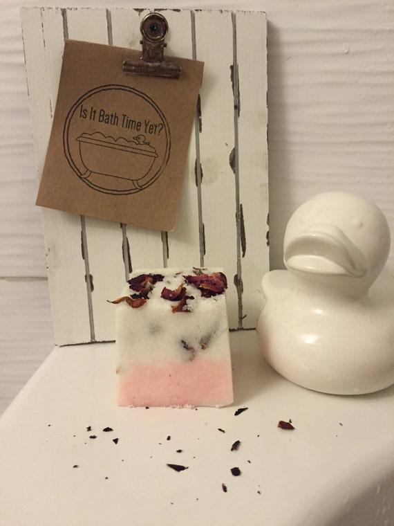 Rose Garden Bath Bomb