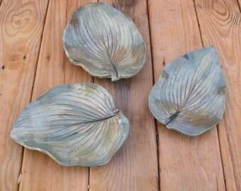 3 stoneware leaf dishes