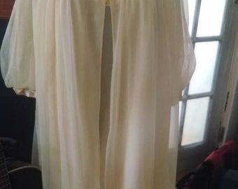 Vintage Gossard Artemis nightgown and robe set pale yellow!