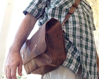 Light Leather Field Bag