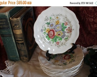 SALE Set of 8 Royal Doulton Bread or Dessert Plates - Malvern Pattern, D 6197, Floral, English