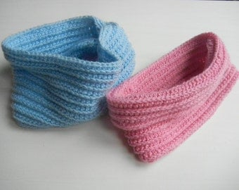Crochet cowl neck for children