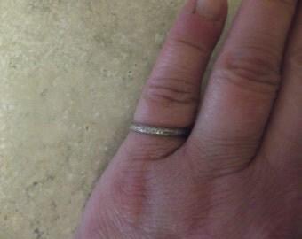 18k Dainty White Gold Ring
