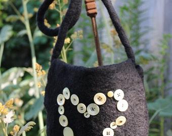 "black felt bag ""Heart"""