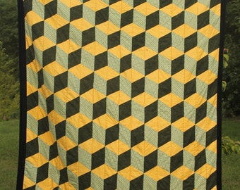 Stacked blocks quilt/Cube quilt throw/Fleece quilt/free shipping/green and yellow/fleece blanket/Illusion