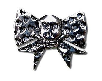 Pin - skull/bow logo with hearts by Twisted Pippy
