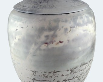 Niches and Urns Calligraphy Style Ceramic Cremation Urn for Ashes