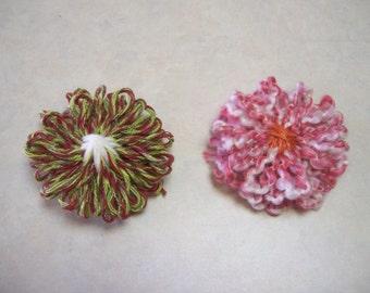 Loom Knit Yarn Flowers (2)
