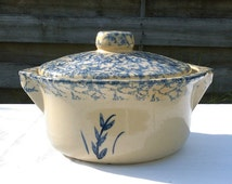 Robinson Ransbottom Roseville, OH 1930's 1.5 qt casserole dish with lid