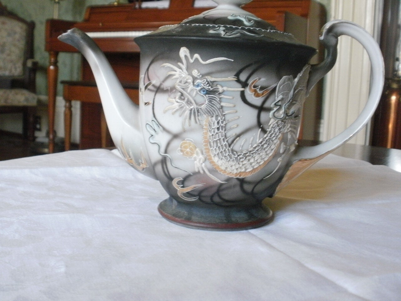 Japanese Moriage Tea Pot Hand Painted In Occupied Japan