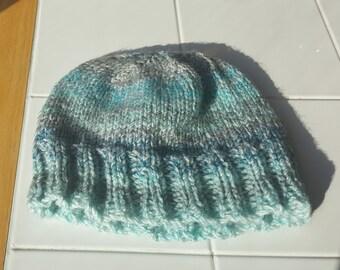Hand knit child hat