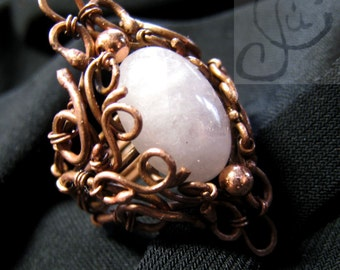 handcrafted ring with rose quartz, wire wrapped ring, nahdmade jewerly, wirework