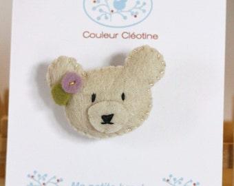 Little bear brooch in felt