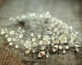 Bridal Headpiece, Crystal and Pearl Bridal Hair Piece, Ivory Bridal Headpiece, Crystal Wedding Hair Piece, Wedding Jewellery, Bridal Halo.