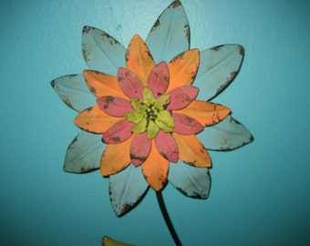 31 inch Metal Flower Wall Decor