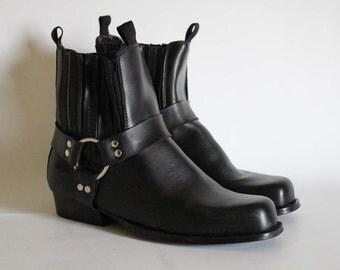 Vintage • Ankle Boots • Cowboy Boots • Black Leather Boots • Black Ankle Boots • Black Western Boots • Cowgirl Boots • EU 42 • US 8.5 • UK 8