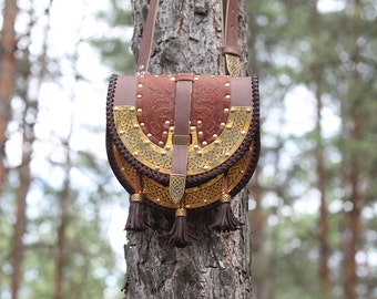 Medieval bag made of genuine leather with embossing, LARP Bag, Cosplay leather bag, Leather bag, Crossbody bag