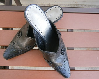 BCBG Cowgirl Mule/Slip-on/Bootie