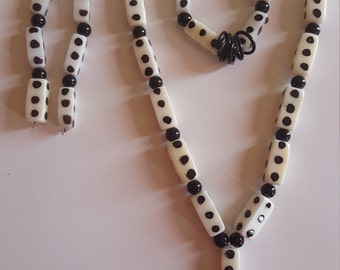 Black and White Necklace, Bracelet and Earrings