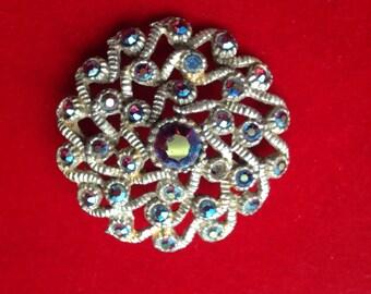 Retro brooch