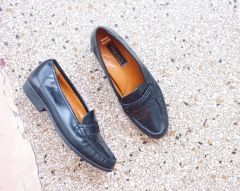 Vintage leather loafers slip ons size 38