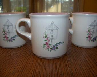 4 Pfaltzgraff Cape May Coffee Tea Mugs Cups Garden Gate bird house Lavender nice