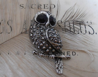 Lovely Vintage Marcasite/Faceted Glass Stones Owl Brooch
