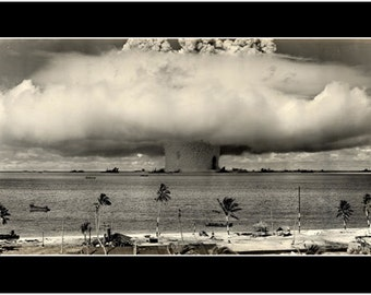 1946 US Nuclear Testing Over Pacific Ocean Poster Marshall Islands 24x36