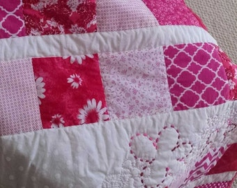Baby quilt Pink and white baby quilt Baby blanket Hand quilted quilt Hand stitched quilt Pink and white baby blanket Homemade blanket