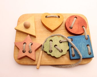Wooden lacing toy | 7,1 x 5,1 in | Lacing figures | Montessori toys | Learning toy