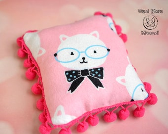 Catnip pillow Cat cushion Kitty soft pad Cat furniture Cat bed Soft flannel pink pillow Gift for cats Kitty sleep accessories Cat bedding