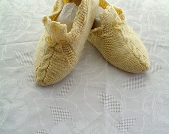 crochet home shoes, handmade shoes, home shoes, slippers
