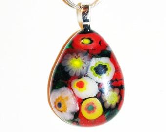 Red floral teardrop pendant