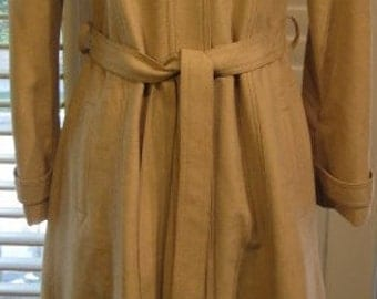 Vintage Beige Coat From The Orchid Shop Dallas Size 6-8