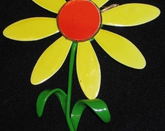 1960s Big Yellow Daisy Brooch
