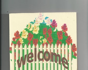 32 flower welcome sign