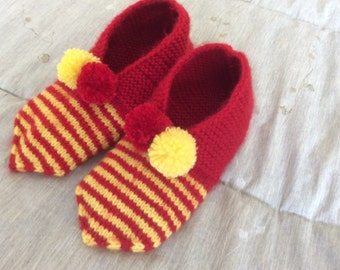 Adult knitted booties