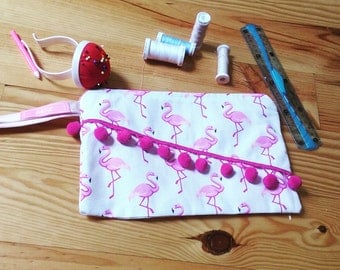 Pouch pink flamingos