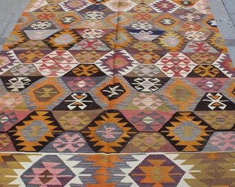 Bright multi color vintage turkish kilim rug - 8 x 6 ft