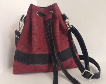 Le sac à main, pouch, made of 2 colours Cork.