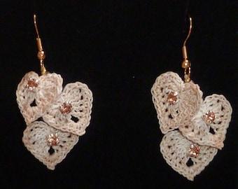 Beige small hearts earrings