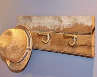 Reclaimed Barn Wood Coat / Hat Rack ~~ Vintage Hooks