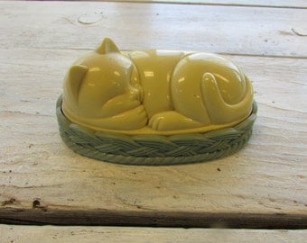 Vintage Avon Cozy Kitten Lint Brush with Oval Box