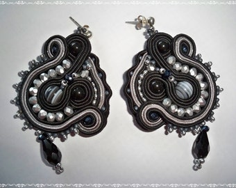 Earrings Black Lady