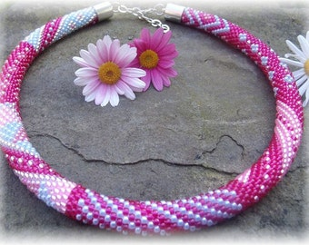"""crochet Pearl necklace """"Pink Lady"""""""