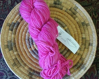 Steadfast Fibers Wonderful Wool Made in USA Color Hot Lips Lot No 2760 Pink Hot Pink Crochet  Knit