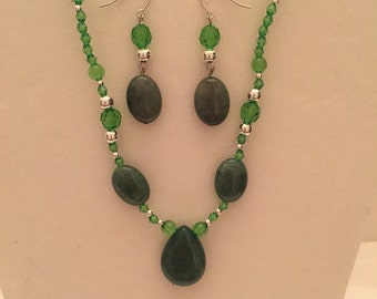 Jewelry Set/Green Jade Petite Necklace and Earrings/Beaded Set