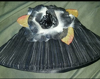 Retro Black Pleated Clutch with Flower Detail and Beading